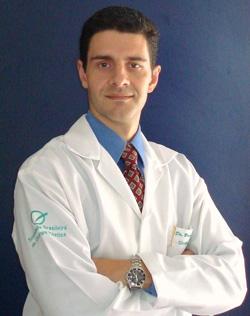 Dr. Bruno Navarro Amado Cirurgião Plástico